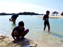 family trip pulau pari 090716 Fuji 086