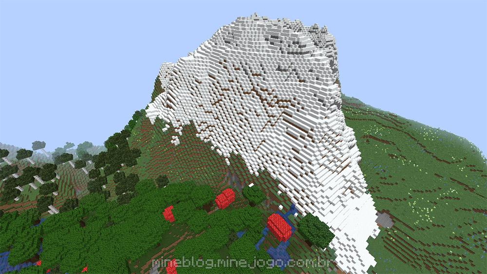 Uma montanha com uma camada apenas de bloco de neve, e um bioma de flores escura logo abaixo