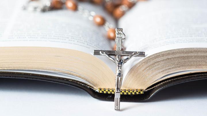 Kinh Thánh không phải là những chuyện thần tiên