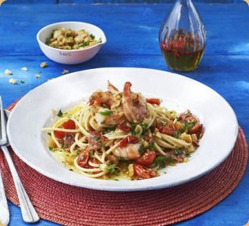 spaghetti-with-chilli-prawns