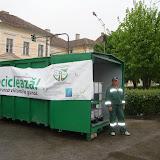 Prima campanie de colectare a deseurilor periculoase si a DEEEurilor - mai 2011 - DSC09481.JPG