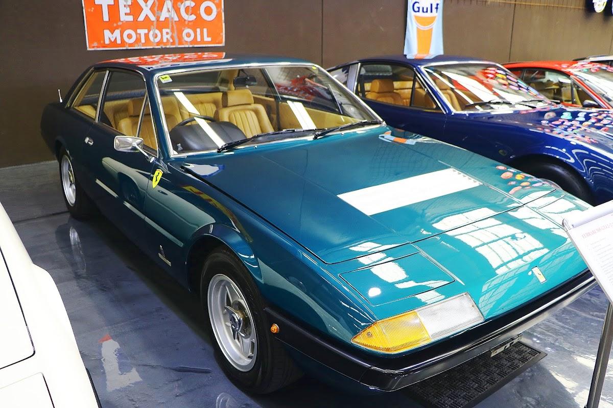 1973 Ferrari 365 GT4 2+2 (02).jpg