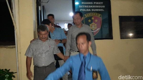 12 Jam Diperiksa di Kasus Markup Tanah Kuburan, Wabup OKU Ditahan