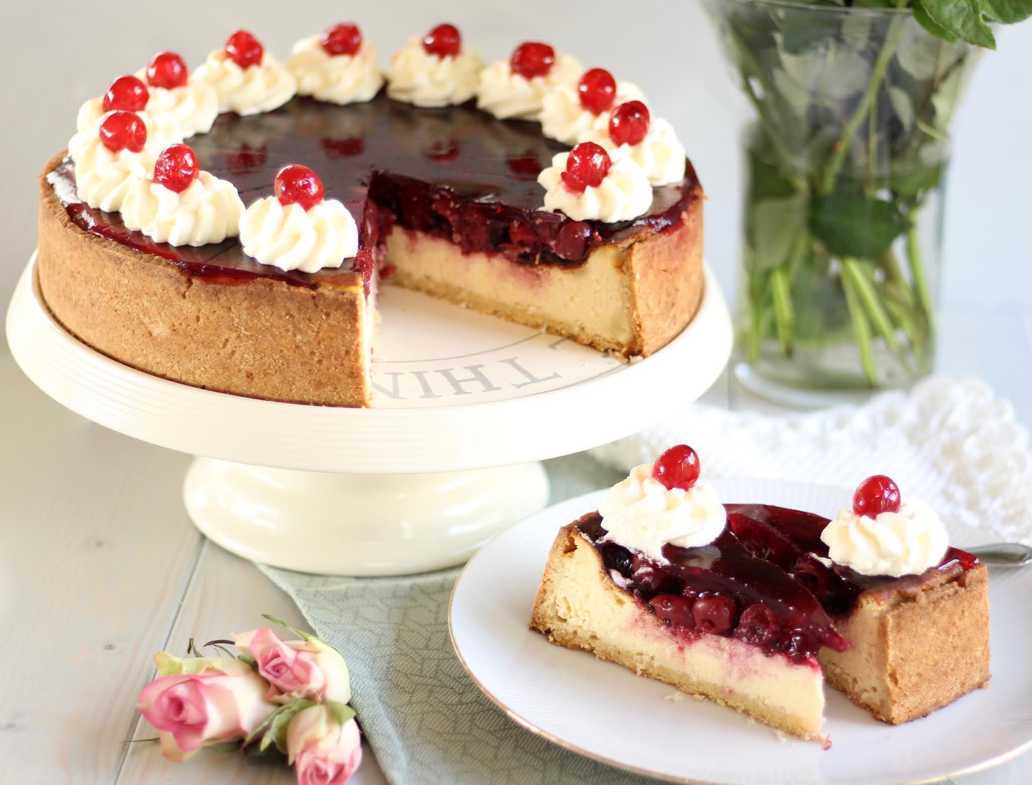 Raffinierte Kirschtorte mit Mascarpone-Quark-Creme | Kirsch-Kokos-Cheesecake