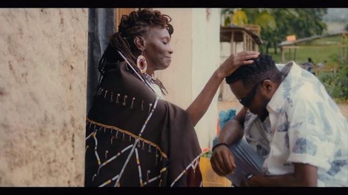 VIDEO: Adam Mchomvu Ft. Carol Kinasha – Mama Kasema