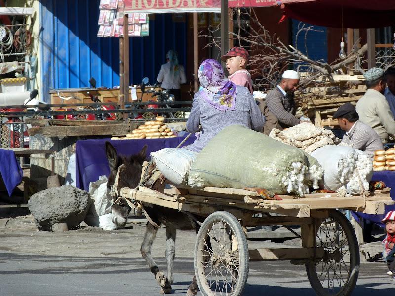 XINJIANG. Karakoram Highway, lune des plus haute route au monde, en passant a 4400 m - P1280452.JPG