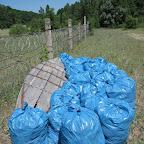Уборка мусора на пляжах у Белой горы 009.jpg