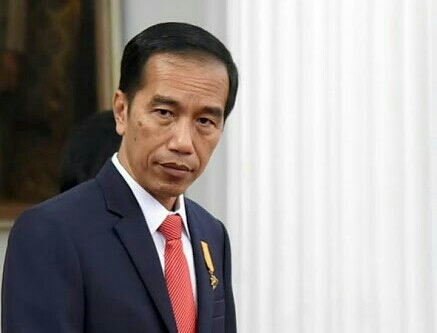 Heboh, Mahasiswa Kritisi Presiden Jokowi dengan Kartu Kuning