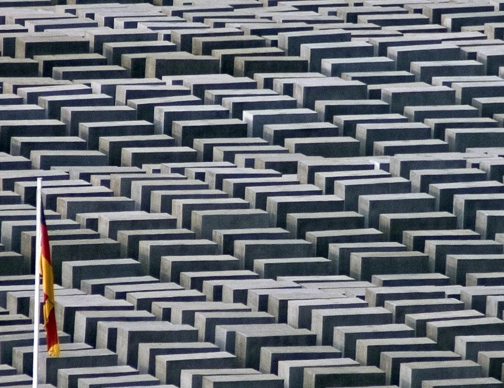memorial-murdered-jews-europe-berlin-3