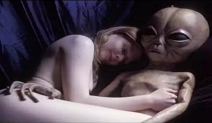 RELACOES SEXUAIS COM EXTRATERRESTRES