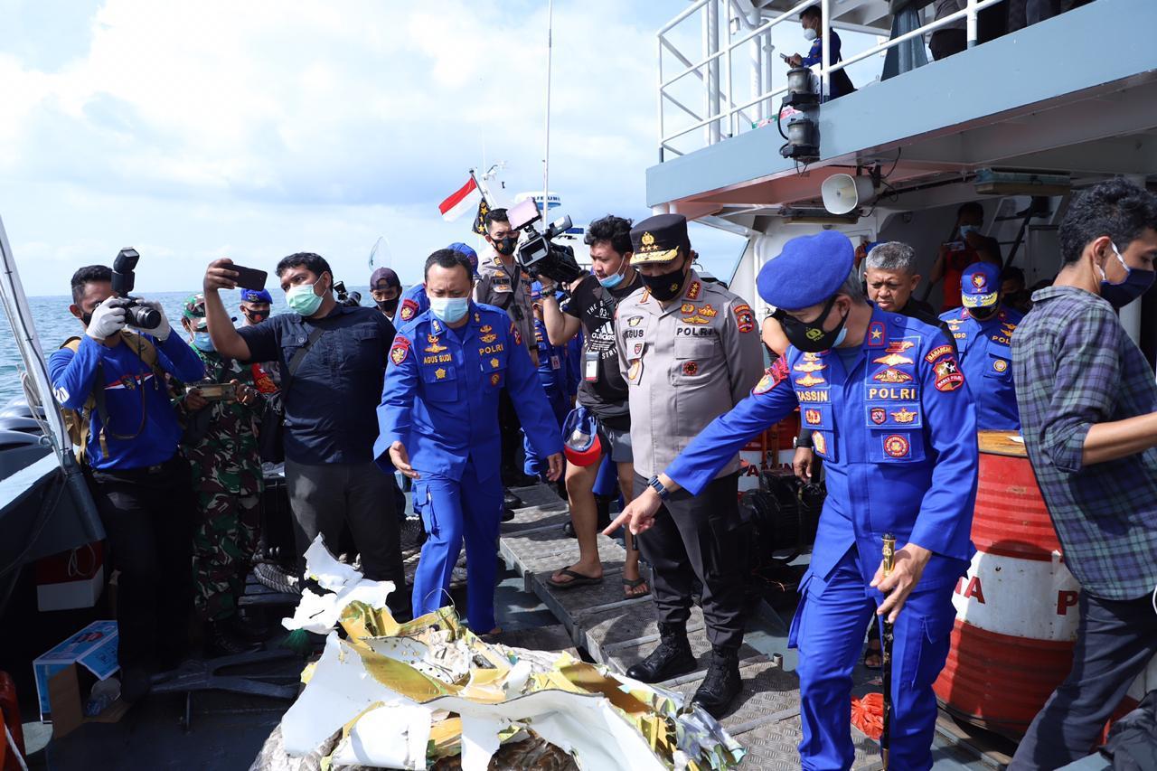 Kabaharkam Polri Cek Langsung Proses Pencarian Korban Pesawat SJ 182