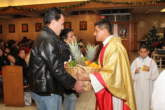 OLOS Navidad 2010 con Amigos Migrantes - IMG_9773.JPG