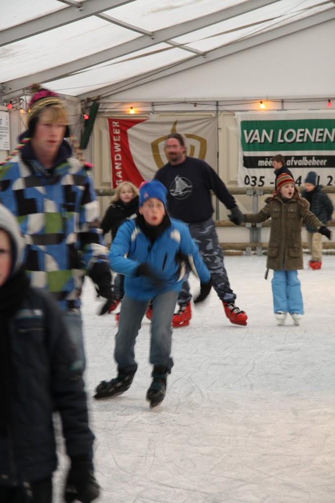 Sinterklaas bij de schaatsbaan - IMG_0373.JPG