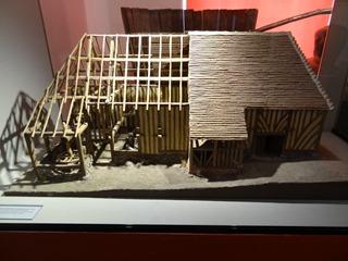 2016.08.07-040 maquette de pressoir au musée de Normandie
