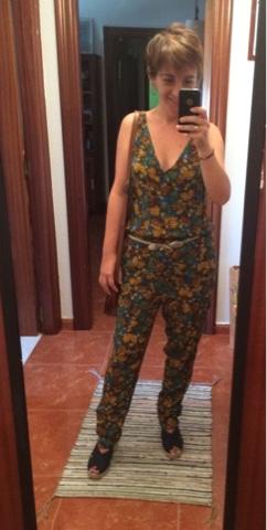 look de verano mujer-mono de piñas de Elogy