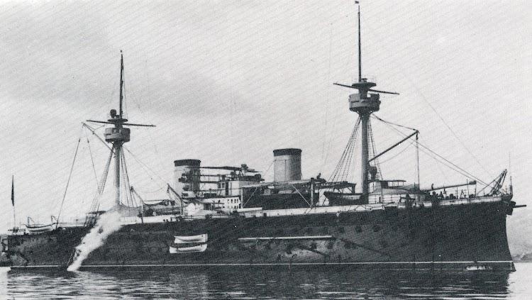 16- Vista por estribor del PELAYO en estado de origen. Del libro La Construcción Naval Militar Española. 1730-1980.JPG