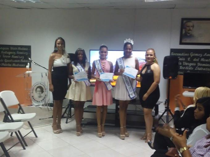 Rossette's Akademyc Presenta  jóvenes que representarán a Barahona en competencias de modelajes Nacional