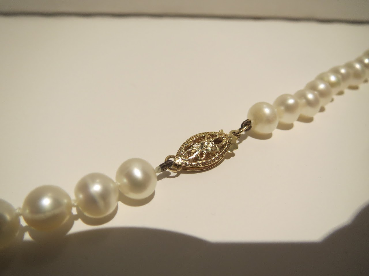 18kt and Faux Pearl Necklace