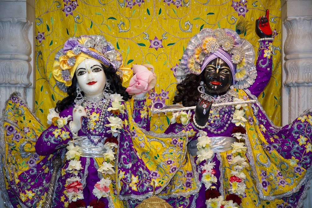 ISKCON New Govardhana Deity Darshan 22 Dec 2016 (21)