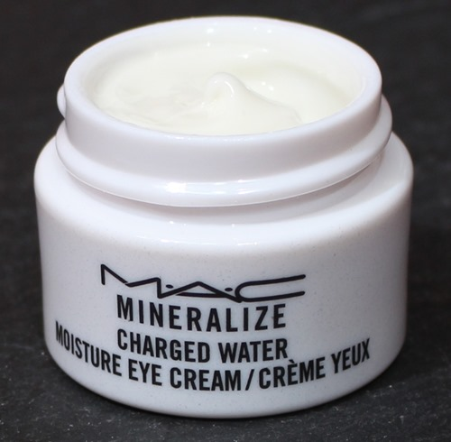 MineralizeChargedWaterMoistureEyeCream7