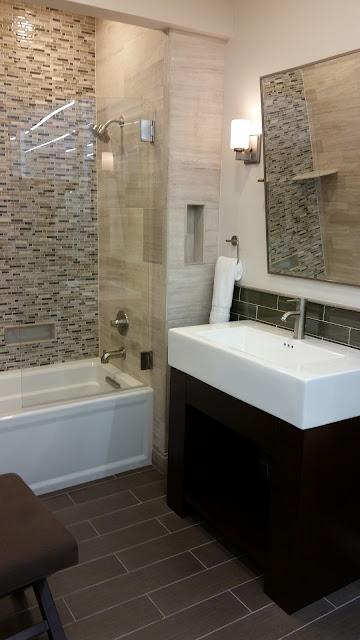 Bathrooms - 20150825_114253.jpg