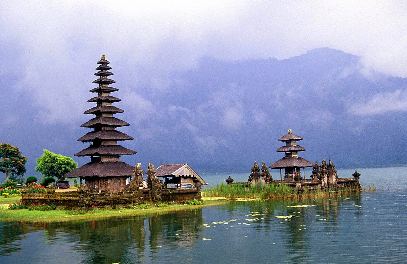 tempat wisata paling indah di dunia