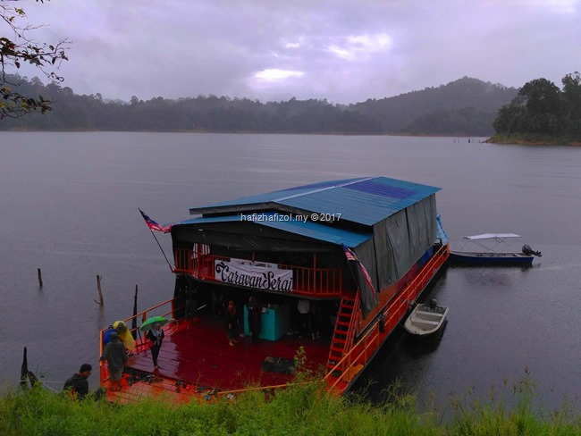 houseboat royal belum_1