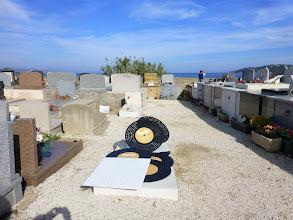 Photo: La tombe d'Eddy Barclays