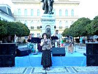 05-Klemen Terézia a Frens koncertjét konferálja.jpg