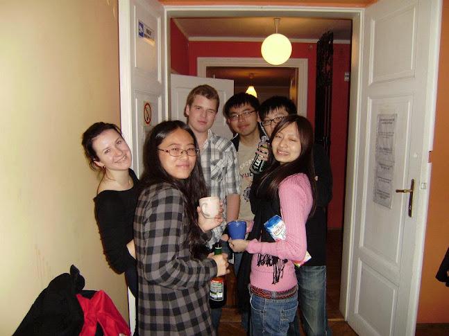 大家在hostel時的整合遊戲合照