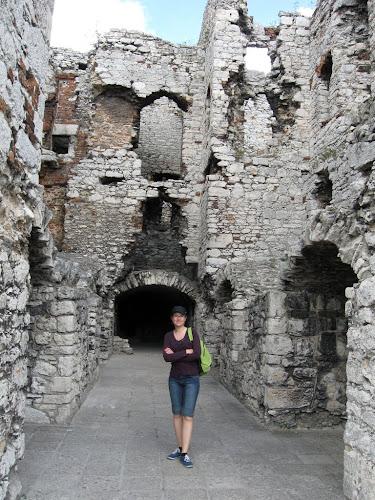 zamek ogrodzieniec - komnaty Bonerów