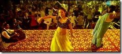 Sadha Hot33
