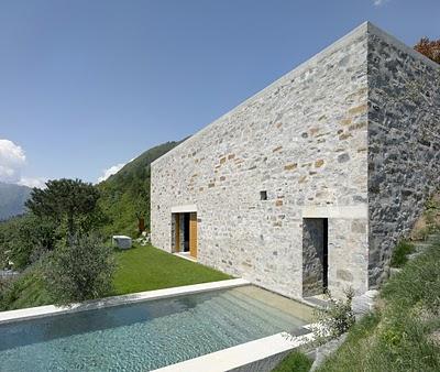 1 Самые красивые дома мира | Фото интерьера каменного дома в Швейцарии