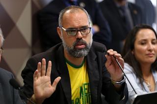 PF encontra material relacionado a Bia Kicis, em busca na casa de Allan dos Santos