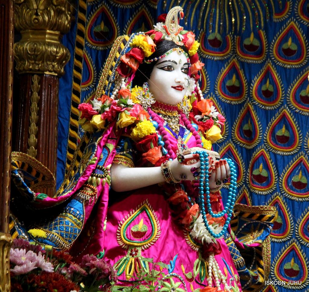 ISKCON Juhu Sringar Deity Darshan on 2nd Oct 2016 (6)