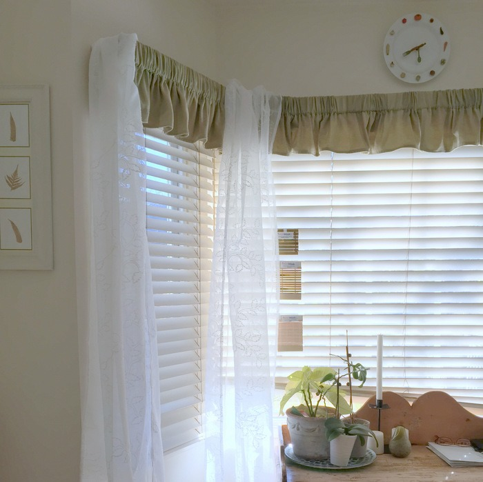 Kitchen Bay Window Makeover with Bamboo Shades via homework (6)