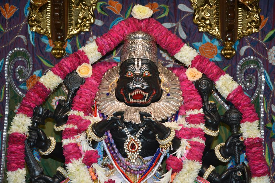 ISKCON Ujjain  Deity Darshan 22 July  2016 (4)