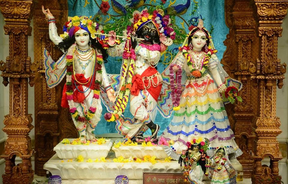ISKCON GEV Deity Darshan 03 jan 2017 (1)