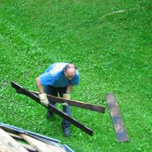 Delovna akcija - Streha, Črni dol 2006 - streha%2B044.jpg