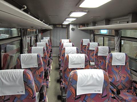 北海道中央バス「ポテトライナー」 ・669 車内