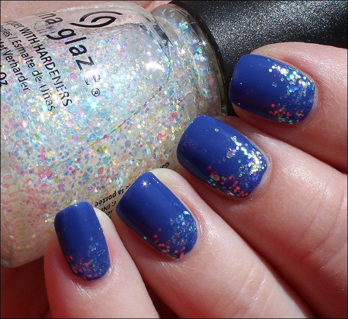 Nail Art Pool Party Blau Glitzer Wasser Sommer Nageldesign 04