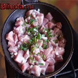 Добавляем луки мясом