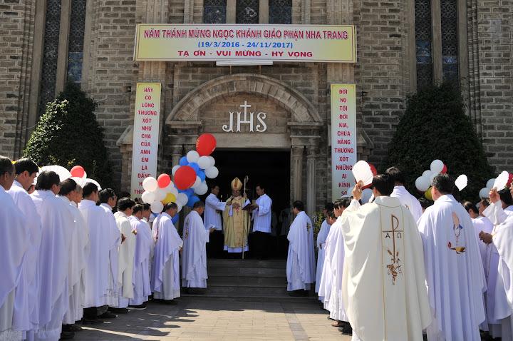 Thánh lễ khai mạc Năm Thánh Mừng Ngọc Khánh 60 năm ngày thành lập Giáo phận Nha Trang (1957-2017 ).