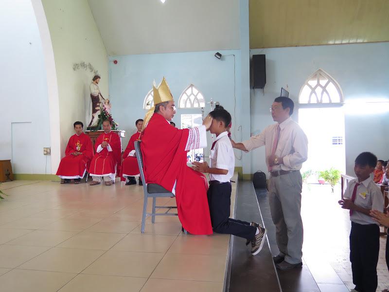 Hình ảnh Đức Giám Mục Giáo Phận thăm viếng mục vụ và ban bí tích thêm sức tại Gx. Ninh Hòa - Giáo hạt Vạn Ninh ngày 5/6/2016