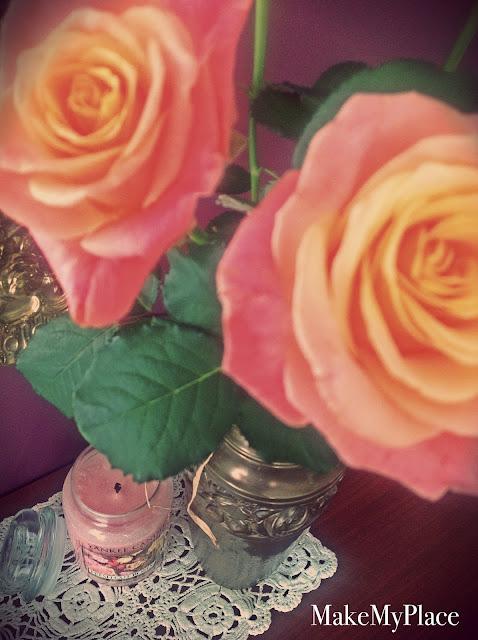 zapach kwiatów świeca