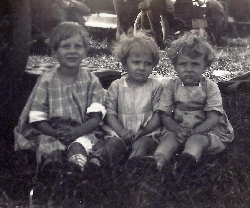 21 - Dorothy, Anne and Bob
