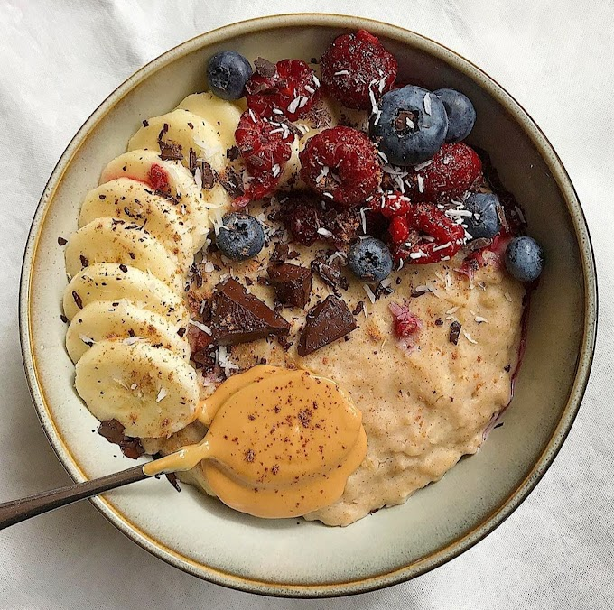 Vanilla And Berry Oats Recipe | Breakfast Care