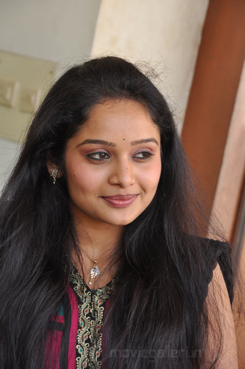 Advaita Tamil Actress Stills Actress Advaita Photo Gallery -6559