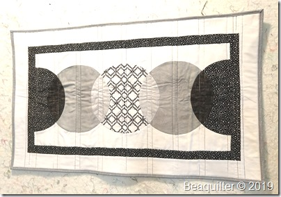 CIRCLE table runner bealee3