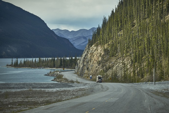 on_the_way_to_muncho_lake_39